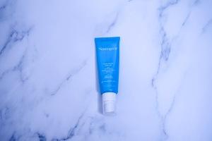Best Drug Store Skin Care: Neutrogena Hydro Boost SPF 15