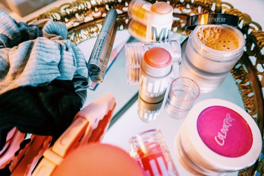 Milk Makeup Review | KUSH Mascara, Lip + Cheek, Holographic Highlighter, Lit Highlighter | Makeup Minis | Beauty Review